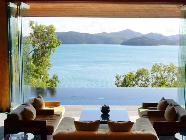 The Long Pavillion: the 'lobby' that greets guest as soon as they arrive at qualia. Umm, yeah!!!