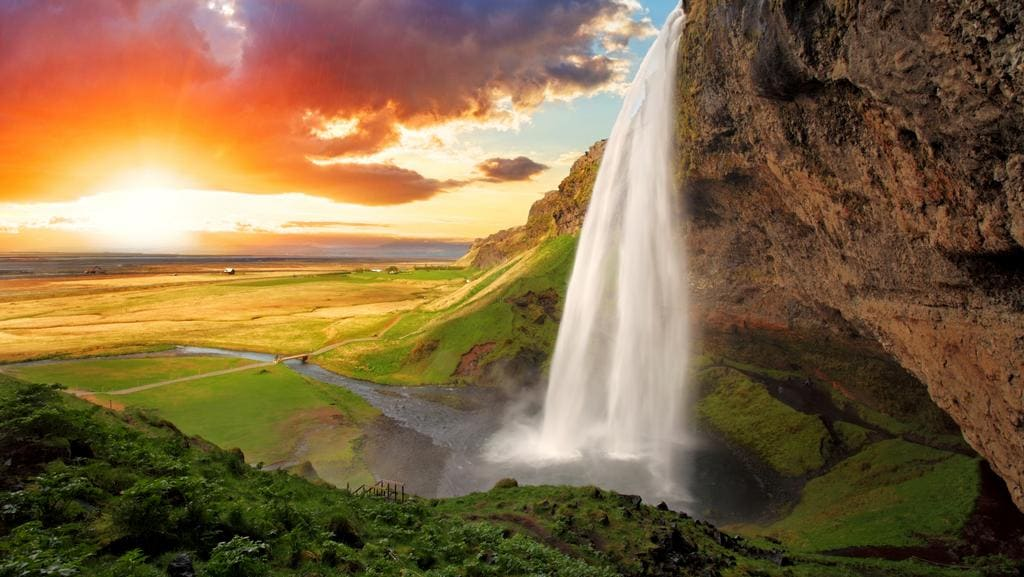 Best Waterfalls In The World From Australia To Iceland And Brazil - 47 beautiful waterfalls around world