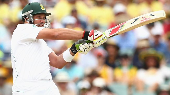 Jacques Kallis pulls the ball to the boundary. Picture: Mark Kolbe