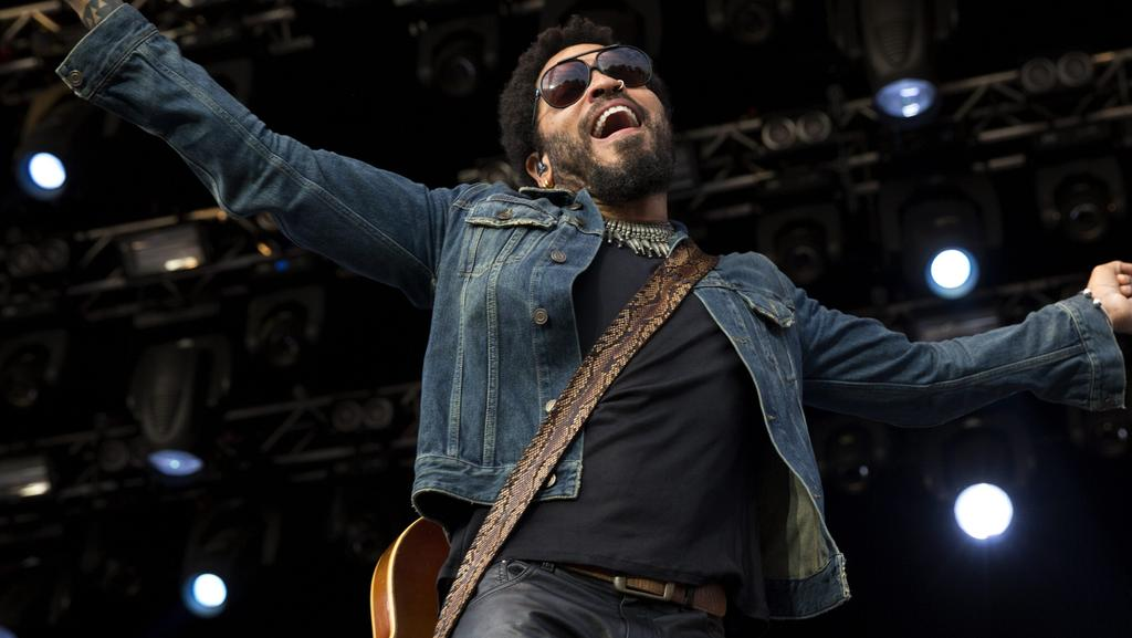 Lenny Kravitz flashes penis on stage Stockholm | Herald Sun