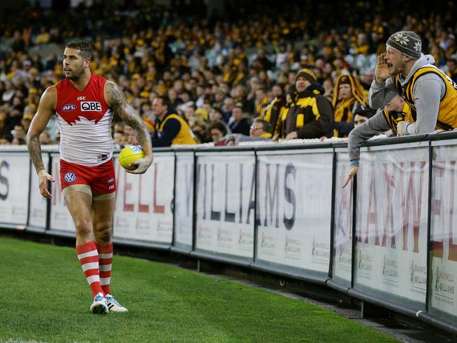 Sydney's Lance Franklin received ample advice from his former fans. Picture: Colleen Petch.