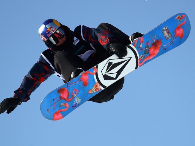 e324b67a0e1a Winter Olympics 2018  Shaun White v Scotty James snowboard half ...