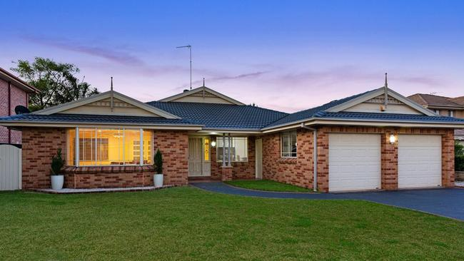 No. 10 Castlefern Court, Kellyville sold for $1.33 million.
