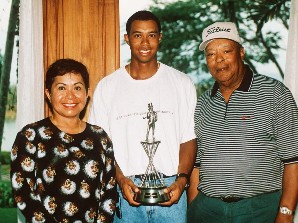 Tiger Woods with his parents Kultida and Earl Woods. Credit: David Cannon/ALLSPORT