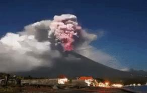 Timelapse Video Shows Eruptions of Bali's Mount Agung