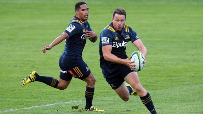 Highlanders stars Aaron and Ben Smith will line up against the Waratahs.