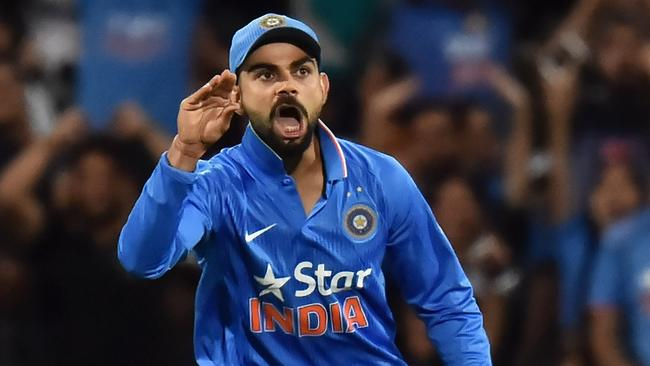 Virat Kohli's unusual celebration after dismissing Steve Smith.