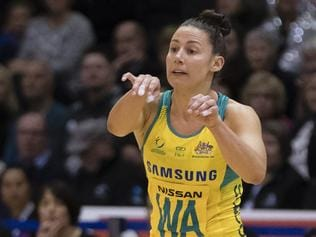 Madi Robinson of Australia, right, passes the ball in the Netball Quad Series netball match between New Zealand and Australia at ILT Stadium Southland, Invercargill, New Zealand, Sept. 3 2017.  (AAP Image/SNPA, Adam Binns) NO ARCHIVING, EDITORIAL USE ONLY
