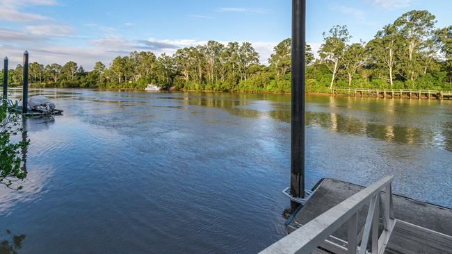 The property at 630 Jesmond Rd, Fig Tree Pocket has its own pontoon on the Brisbane River.