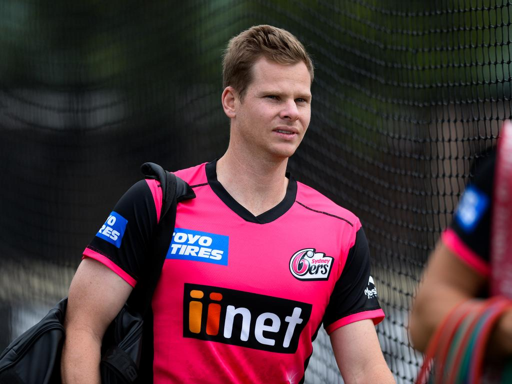 Former Australian Cricket Captain Steve Smith is seen during a training session with the Sydney Sixers at the SCG in Sydney, Friday, December 21, 2018. (AAP Image/Paul Braven) NO ARCHIVING