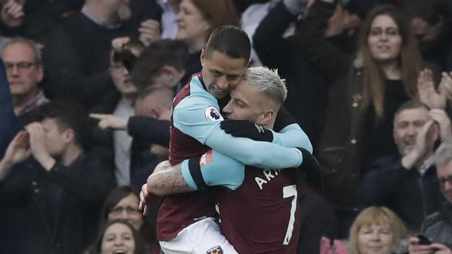 West Hams's Javier Hernandez, left, and West Hams's Marko Arnautovic celebrate