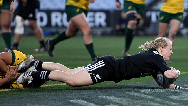 Kendra Cocksedge of the Black Ferns scores a try at ANZ Stadium in Sydney.