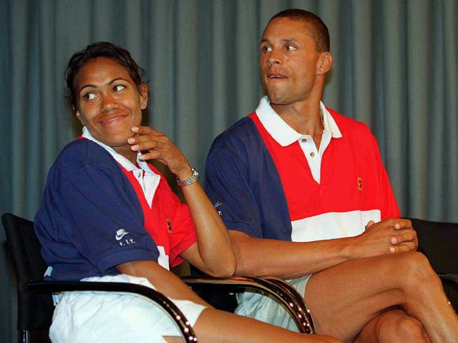 Dan O'Brien with Aussie athletics legend Cathy Freeman at a Nike press conference in 1995.