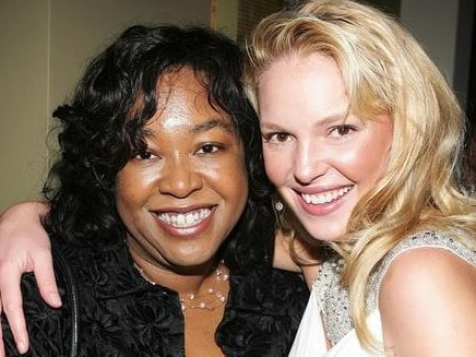 Shonda Rimes and Katherine Heigl in happier times.