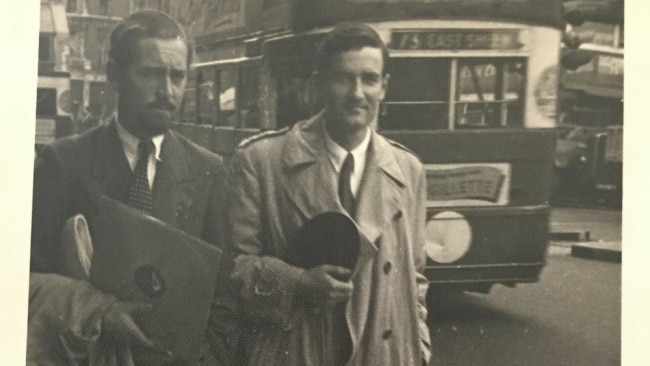 Denison Deasey and Alister Kershaw in London, 1948. Image: Supplied.