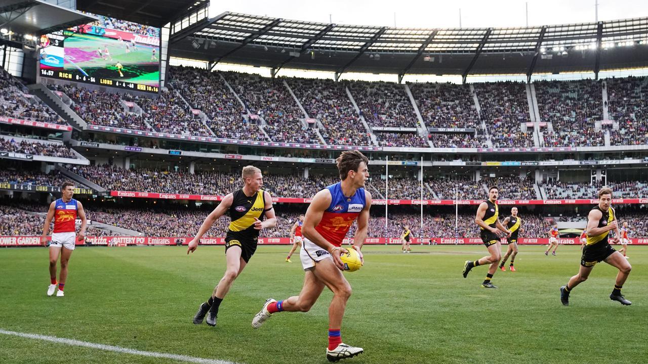 AFL bucks trend of dwindling crowds