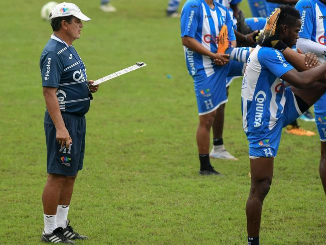 Honduras' coach, Colombian Jorge Luis Pinto, conducts a training session in San Pedro Sula.