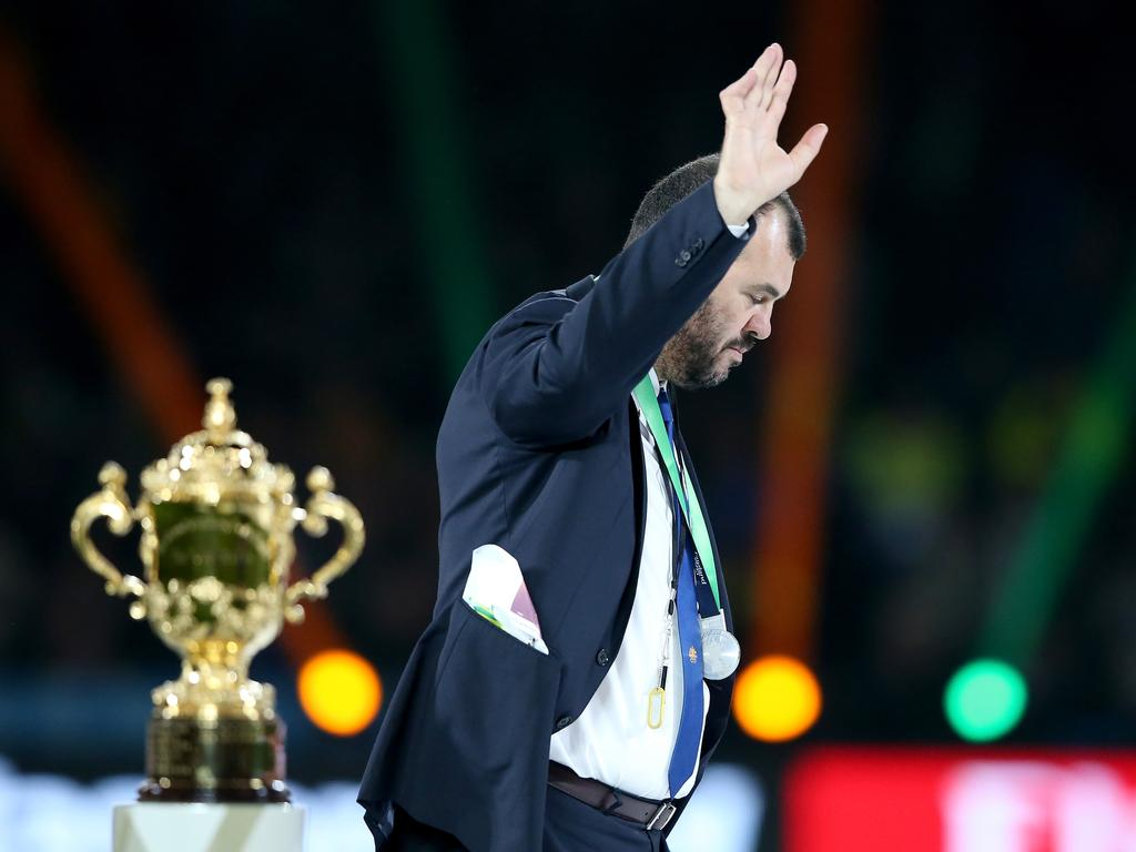 LONDON, ENGLAND - OCTOBER 31: Michael Cheika the head coach of Australia waves to the crowd following defeat in the 2015 Rugby World Cup Final match between New Zealand and Australia at Twickenham Stadium on October 31, 2015 in London, United Kingdom. (Photo by David Rogers/Getty Images)
