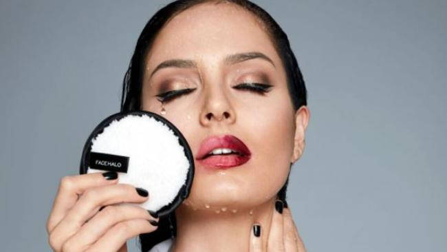 The Face Halo uses microfibre to dislodge makeup on the skin.