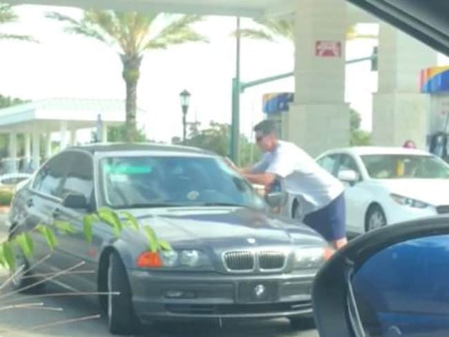 Unidentified man seen confronting BMW driver. Picture: Julianna Ingerto/ViralHog