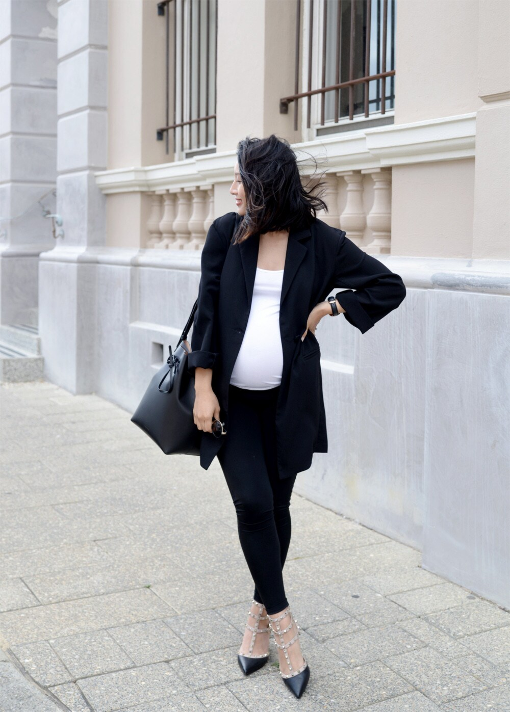 ca33f912c3107 How to avoid buying maternity clothes during pregnancy - Vogue Australia