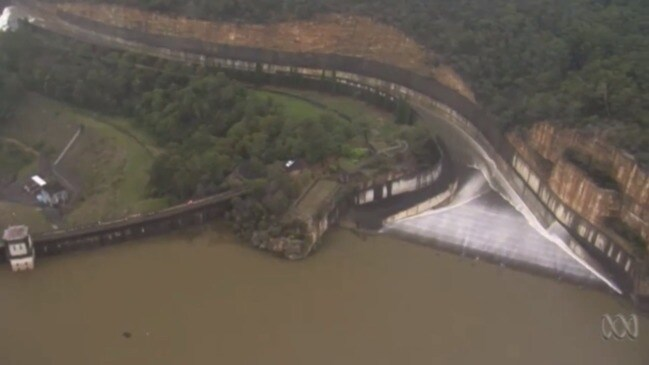 Nepean dam overflows after rainfall (ABC)