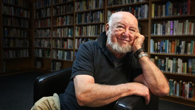 Tom Keneally 'threw the switch to alienation' when discussing the issue of refugees and asylum-seekers with the BBC.