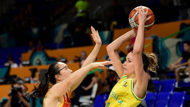 Australia's forward Rebecca Allen (R) vies with China's forward Ting Shao. Picture: AFP