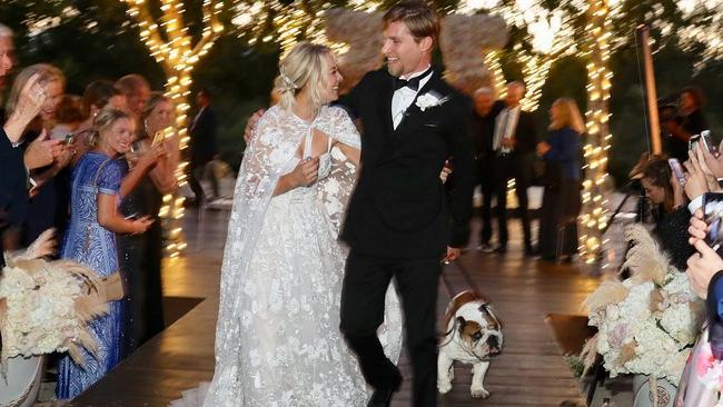 Kaley Cuoco and Karl Cook got married last weekend.