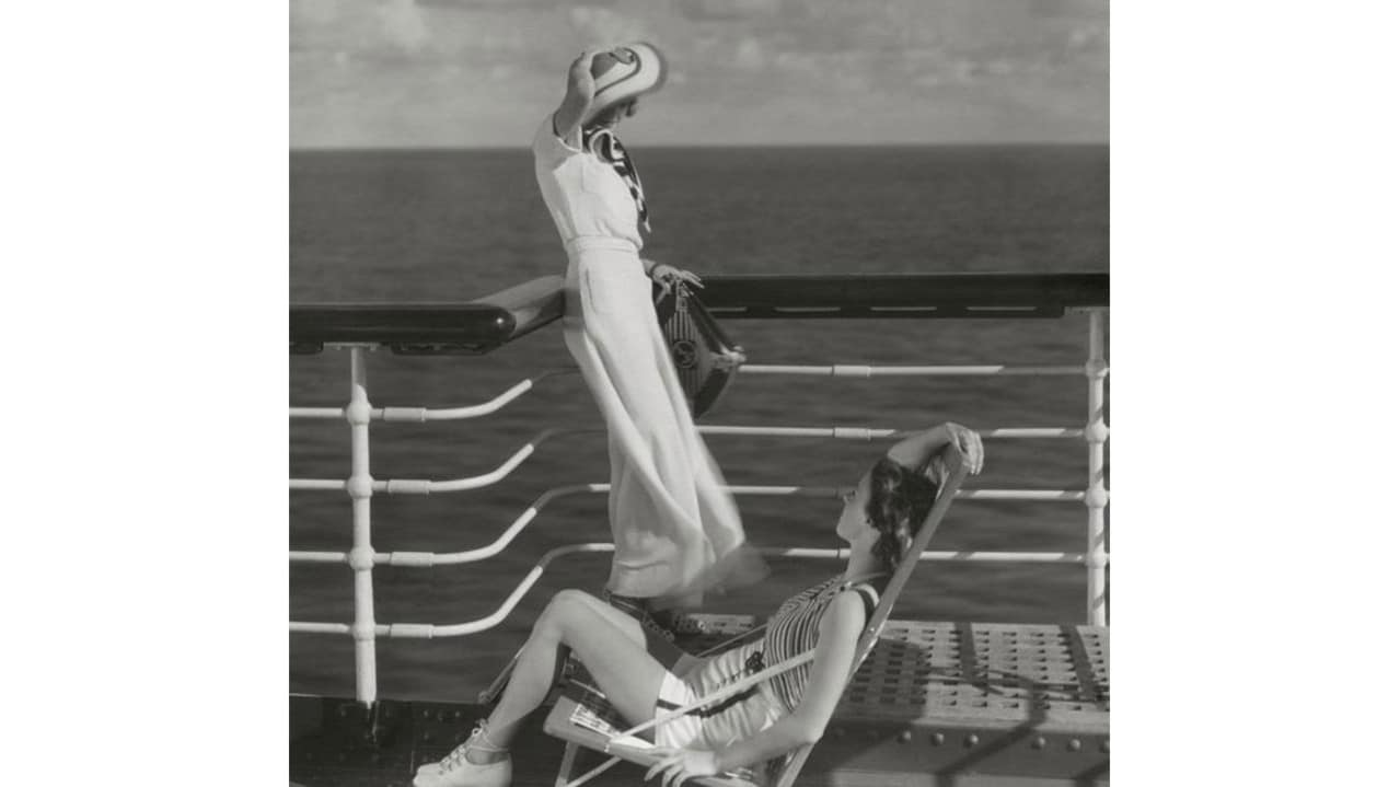 Ocean Liners Speed And Style Exhibition Reflects On Past Voyages # Pose Television En Bois