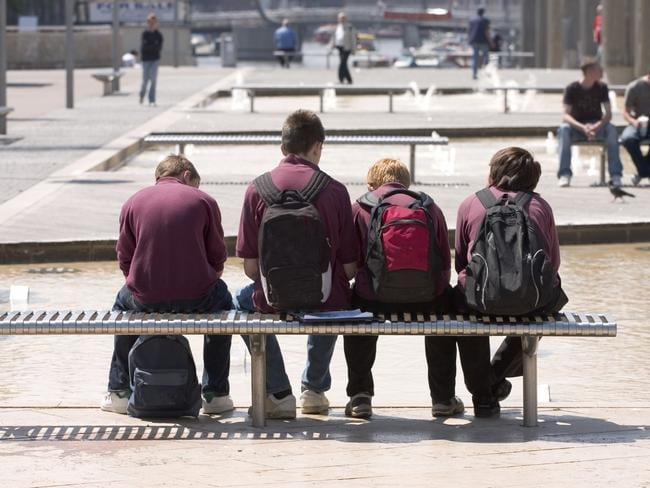 Thousands Of City Children Not Getting >> Wagging School Thousands Of Qld Kids Skipping For Over A Week The