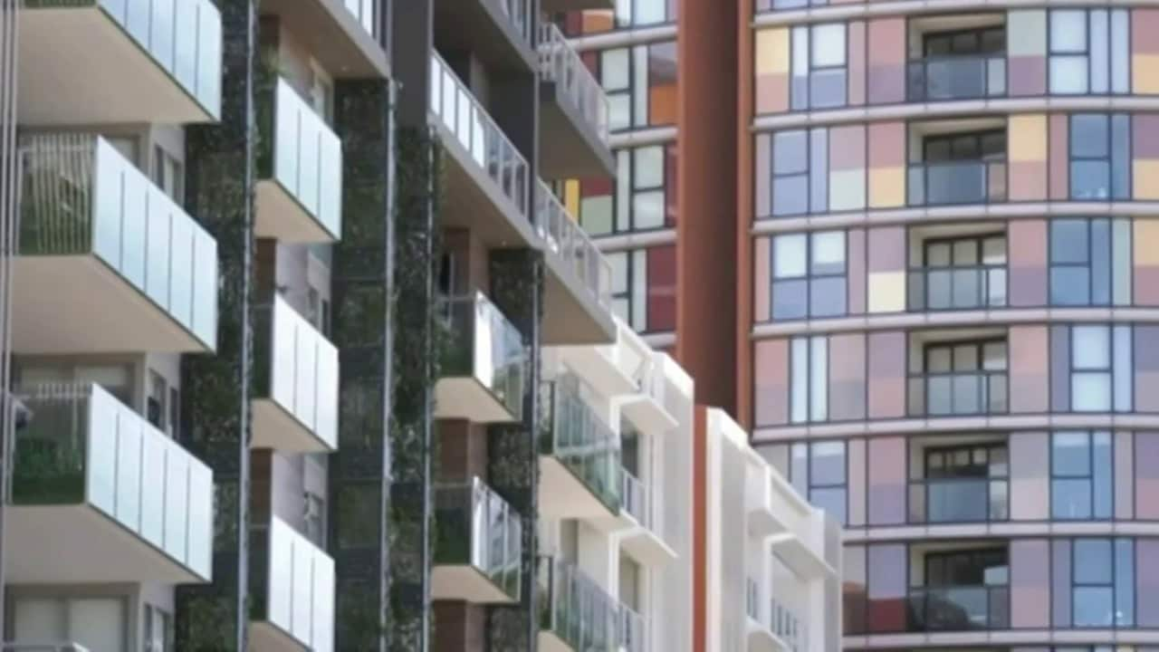 Sydney apartment owners furious after being forced out of 'toxic' building