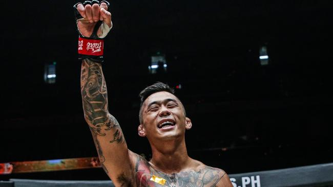 Australian Martin Nguyen won the featherweight title at ONE: ROOTS OF HONOR in Manila.