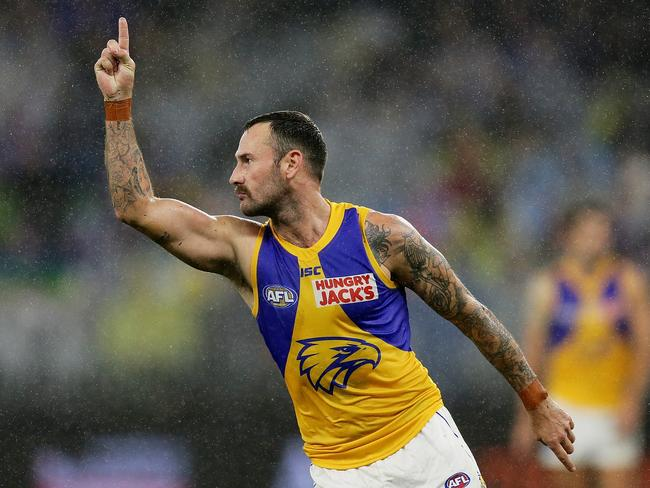Chris Masten of the Eagles is out of contract.