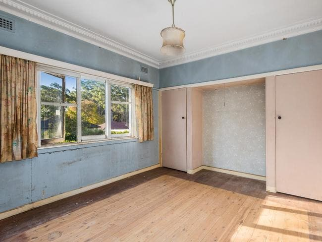 This West Pymble home had been left to rot for nearly 20 years.