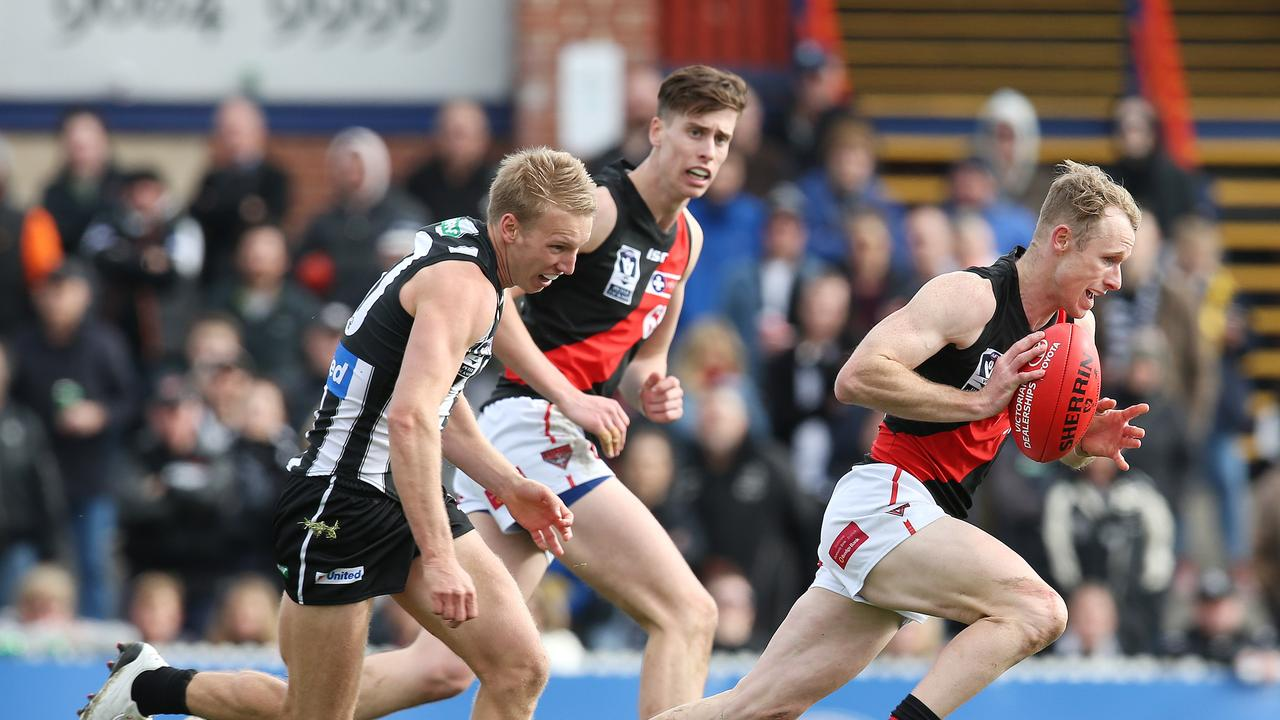 New St Kilda recruit Nick Hind on the burst for Essendon's VFL team this year.
