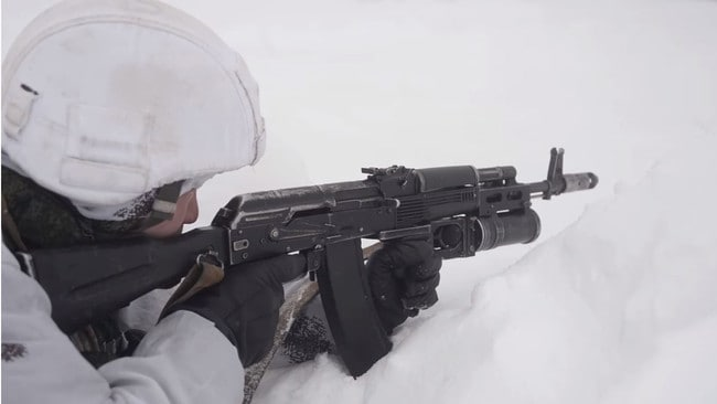 A Russian solder undergoes training in the Arctic Circle. Picture: Russian MoD