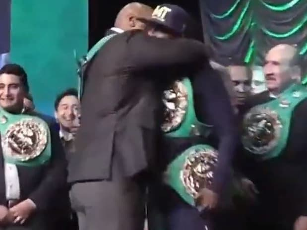 Mike Tyson was willing to play nice when he crossed paths with Mayweather.