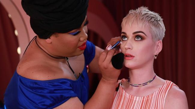 Patrick Starr does Katy Perry's make up. Picture: YouTube