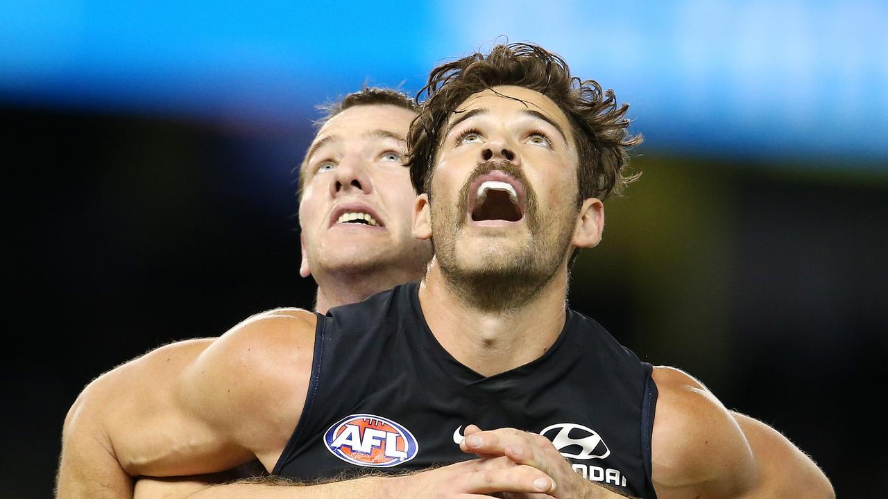 Carlton's Levi Casboult battles with Fremantle's Michael Apeness.