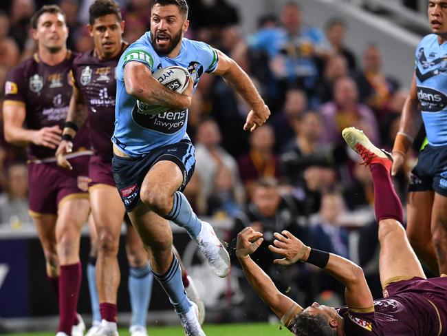 James Tedesco leaves Billy Slater in his wake during the 2018 State of Origin series.