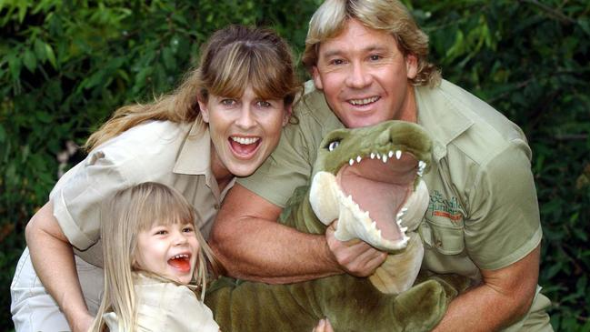 Steve Irwin with wife Terri and daughter Bindi in 2002.