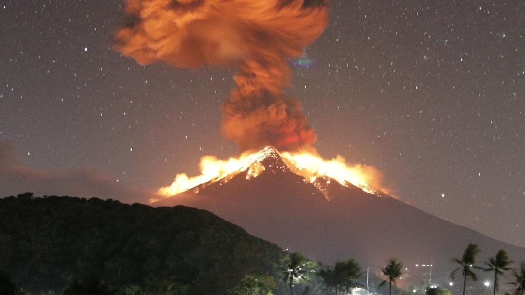 Mount Agung Volcano In Bali Indonesia Erupts Flights Cancelled