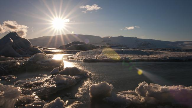 Jokulsarlon, the largest glacier lagoon in Iceland, is the highlight of the Ring Road.