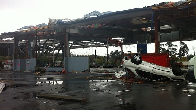 The aftermath of the tornado in Albany, Auckland. Picture: Twitter/Rob Crawford