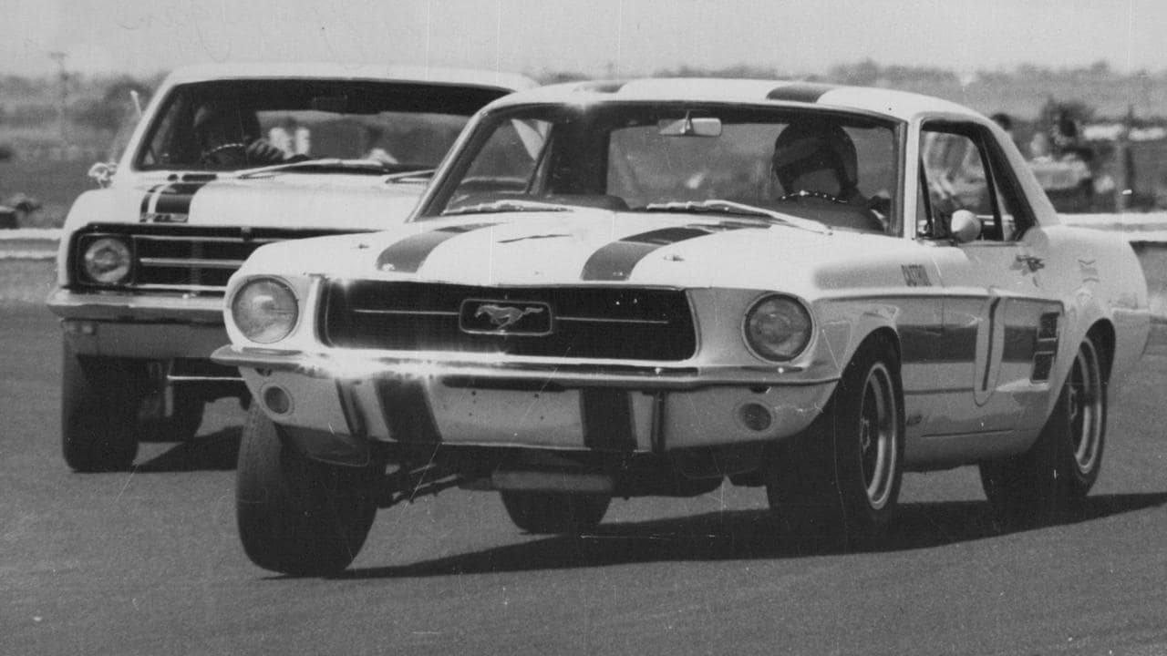 The Geoghegan Mustang's traditional stance: body rolled towards the outside rear, the inside front wheel cocked at an angle.
