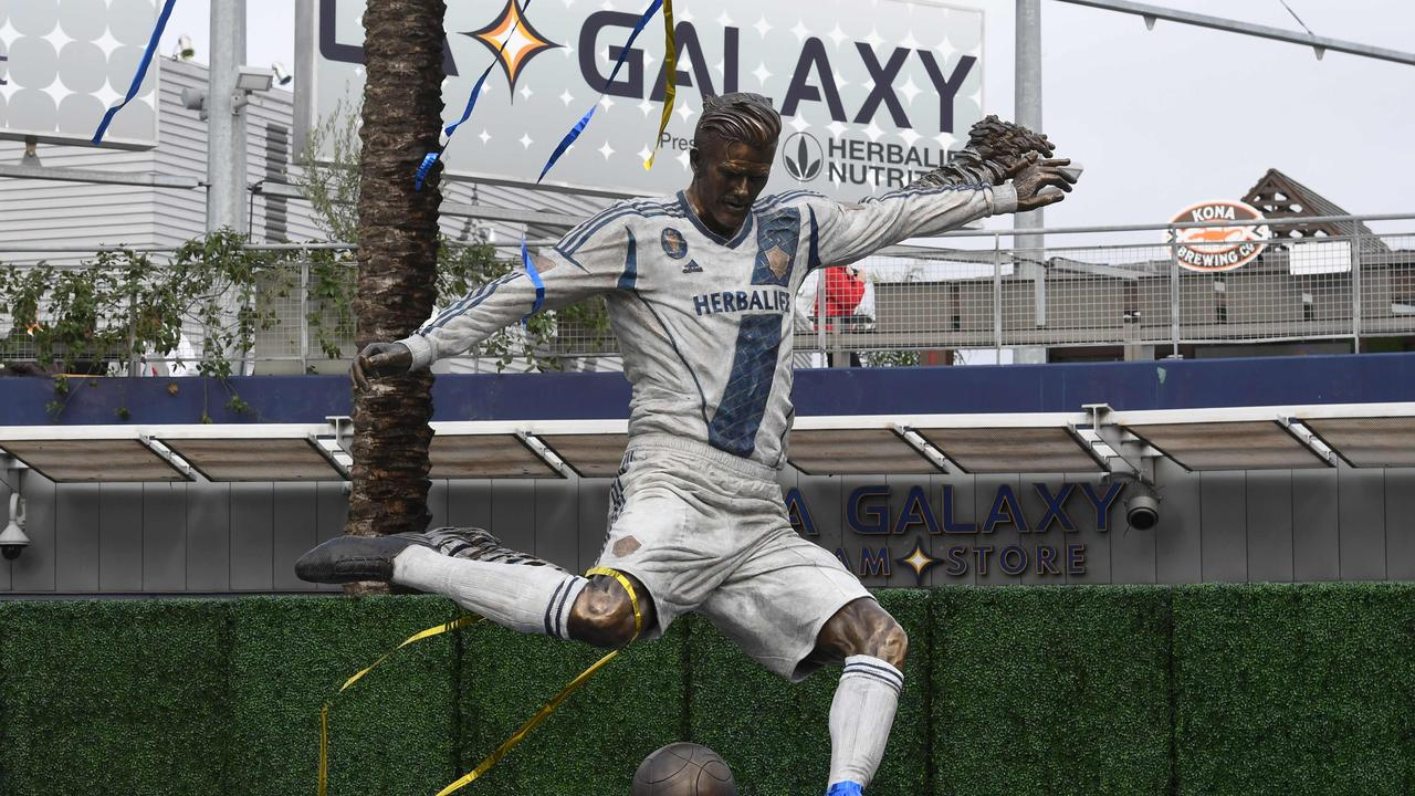 The 'real' newly unveiled statue of Los Angeles Galaxy legend Beckham.