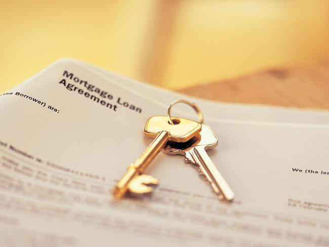 The number of Australians paying off a home loan has crept up to 41 per cent.