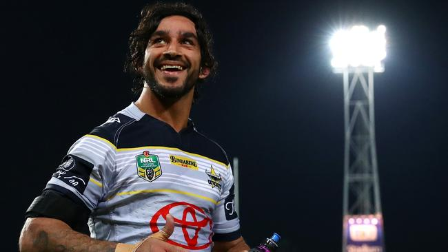 Johnathan Thurston responds to some love from the crowd.