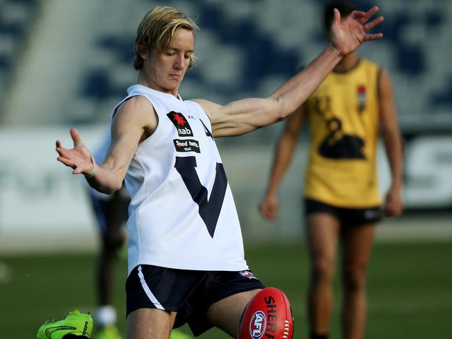 Darcy Parish is renowned as the best Victorian midfielder. Picture: Colleen Petch.